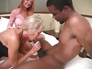 2Mature Milfs 1Mann Threesome(pt1).Kyd! | Threesome.top Porn Tube