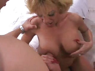 Hot Busty Mature Sammie Sparks Threesome | Threesome.top Porn Tube