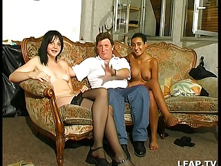 2 Coquines Se Font Sodomiser | Threesome.top Porn Tube