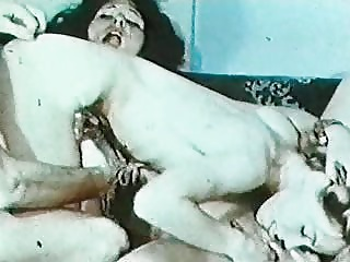 Vintage Linda Lovelace Threesome – 8mm Loop Reel | Threesome.top Porn Tube