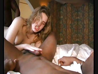 AMATEUR TEEN 28 Blonde In Threesome With Black Dicks | Threesome.top Porn Tube