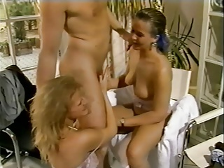 Teenies Zum Fruhstuck | Threesome.top Porn Tube