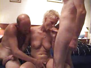Amateur Granny Enjoys A Threesome ! | Threesome.top Porn Tube