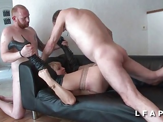 Mature Libertine Sodomisee Dans Un Plan A Trois | Threesome.top Porn Tube