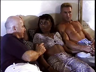 Hot Ebony Milf Gets Double Teamed By White Cock | Threesome.top Porn Tube