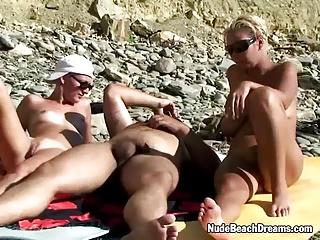 Swingers Ffm Threesome On The Beach | Threesome.top Porn Tube