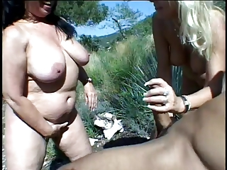 Classic Matures Outdoor Threesome | Threesome.top Porn Tube
