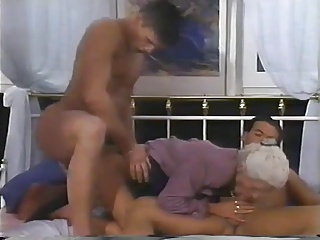 2 MEN AND A DOUBLE PENETRATION FOR GRANNY | Threesome.top Porn Tube