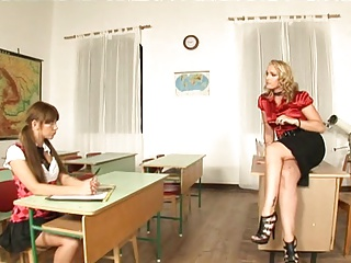 Schoolgerls2 | Threesome.top Porn Tube