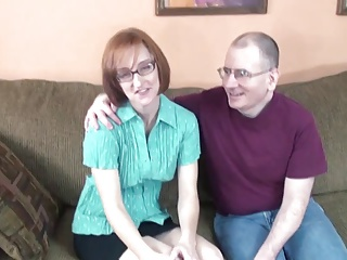 Nerd Housewife Layla Sucks Off A Pair Of Dicks | Threesome.top Porn Tube