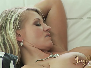 JoyBear Busty Milf In Her First Threesome | Threesome.top Porn Tube