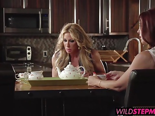 Farrah Gives Him A Handjob In Front Of His Stepmom Janet | Threesome.top Porn Tube
